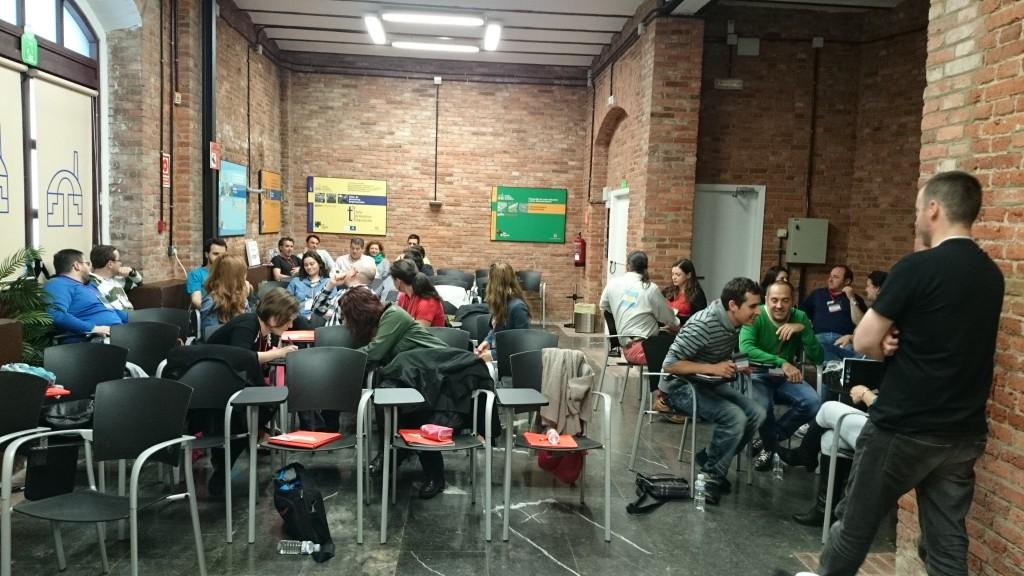 Los participantes conociéndose entre sí