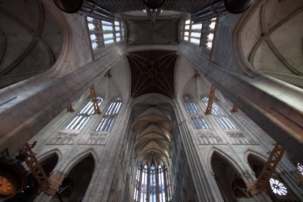 La catedral de Beauveais, de la que sólo se pudo construir, es un ejemplo perfecto de cómo los proyectos se hicieron imposibles